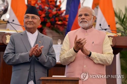 인도, 중국에 기울려는 네팔 붙잡기…철도·수로 개발 지원 약속