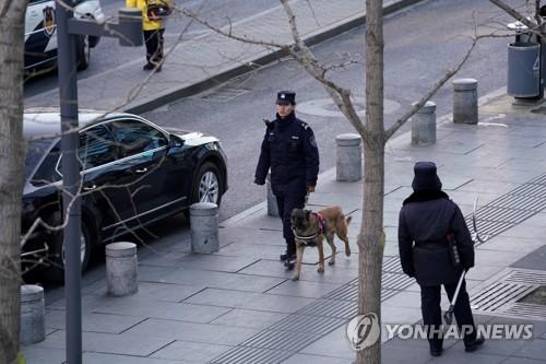 '묻지 마 칼부림'에 놀란 베이징, 치안인력 70만 명으로 늘려