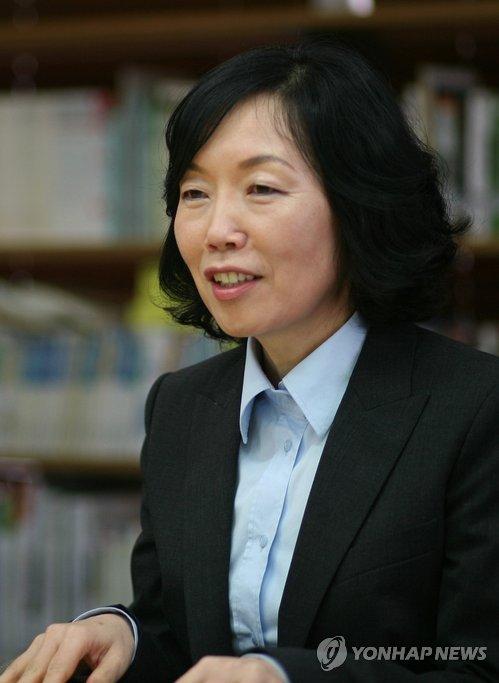 검찰, 박은주 김영사 前대표 영장…70억대 횡령·배임 혐의