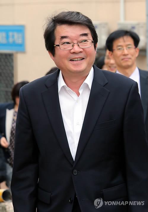 돌아온 안도현…절필 3년 9개월만에 신작詩 발표