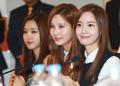 Yoona promotes Dongguk University