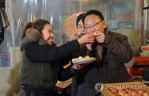 """유일호 """"설 성수품·서민 밀접 품목 물가 철저하게 관리"""""""