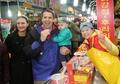 U.S. envoy visits S. Korean traditional market