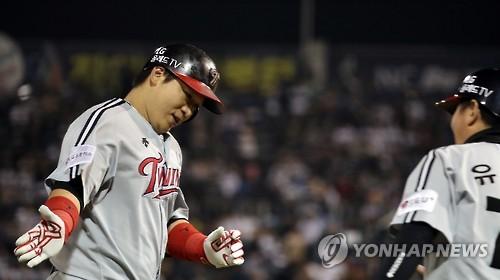 '대포 6방 홈런쇼' LG, SK에 역전승