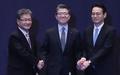 Négociateurs coréen, américain et japonais