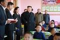 Kim Jong-un con los niños huérfanos