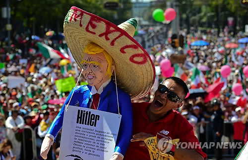 """트럼프에 등돌린 부동산 동업자 """"멕시코 장벽 건설은 비도덕적"""""""