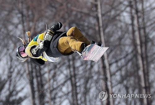설원 수놓은 '별들의 전쟁'…올림픽 기대감 달아오르는 평창