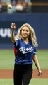 Hyoyeon throws out ceremonial first pitch
