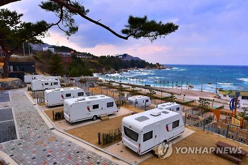 '한국의 나폴리'…삼척 장호해변 캠핑..