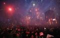 Espectáculo de fuegos artificiales en la protesta contra Park