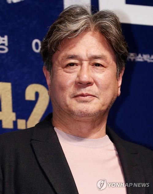 """최민식 """"대선 앞두고 좋은 방향 제시하는 영화"""""""