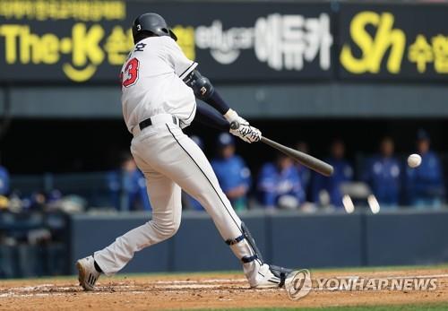 정진호 3타점…두산, 시범경기 3연승…삼성, 4연패