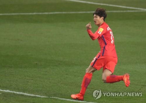 슈틸리케호, 전반 4분 홍정호 선제골로 1-0 리드