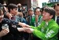 Ahn Cheol-soo avec des jeunes de Daegu