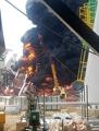 石油プラント工事現場で爆発