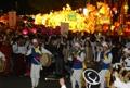 Défilé de lanternes de lotus
