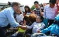 Moon Jae-in avec des enfants handicapés