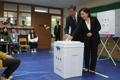 المرشحة الرئاسية شيم سانغ-حونغ تدلي بصوتها في الانتخابات الرئاسية