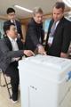 Los extranjeros inspeccionan la votación