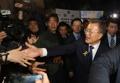 الرئيس المنتخب مون جيه إن يتلقى تهنئة السكان بانتخابه رئيسا