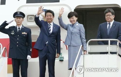 """日아베 G7 정상회의 참석차 출국…""""북한문제 결속 대응"""""""
