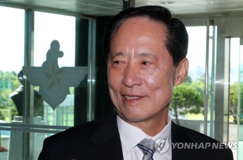 송영무, 군납비리에 행정조치 지시만…'수사무마' 의혹