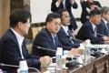 El nuevo ministro de Finanzas celebra su primera reunión