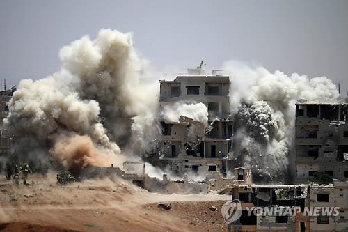 """시리아반군, 美지원중단 소식에 경악…""""전장엔 변화 없는데"""""""