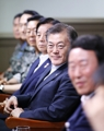 Moon inspects missile test
