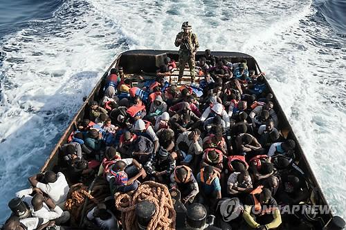 EU, 지중해 루트 밀입국 방지 위한 소피아작전 내년 말까지 연장