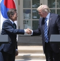 韓米首脳が共同会見