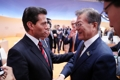 Moon con el presidente mexicano