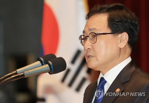 """유영민 미래부 장관 """"25% 요금할인 9월부터 시행""""(종합)"""