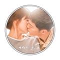 「太陽の末裔」カップルのメダル