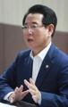 Entrevista del nuevo ministro de Agricultura con Yonhap