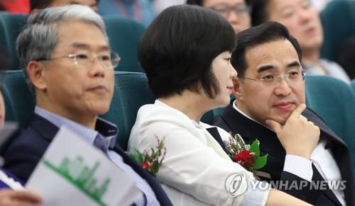 野3당의 정의당 비토에 여야정협의체 난항…與 입장 '난감'