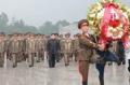 الزعيم الكوري الشمالي يزور مقابر ضحايا الحرب الكورية