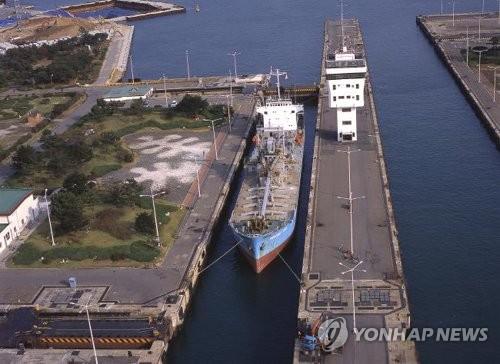 인천항 갑문 7월부터 선박에 통합 기상정보 제공