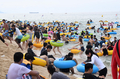 Foule à la plage Gyeongpo