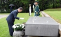 独立運動家の墓を参拝
