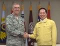 米戦略司令官と会談