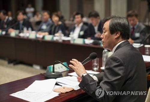 """도종환 장관 """"문화·체육계 불공정행위 철저히 고치겠다"""""""