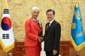 Moon con la jefa del FMI