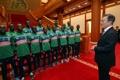 Moon se reúne con el equipo de fútbol juvenil de Sudán del Sur