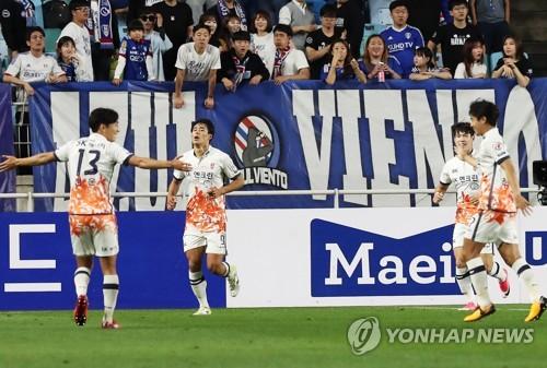 '수원 징크스'는 없다…제주, 3-2 승리하며 '10경기 무패'
