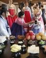 Los extranjeros experimentan el rito tradicional de Chuseok
