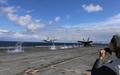 米空母から離陸する戦闘機