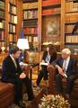 El PM surcoreano y el presidente griego