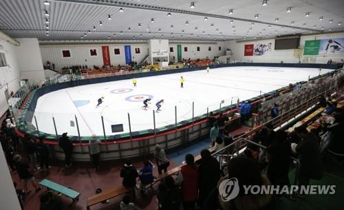 미국 피겨스케이팅 올림픽 대표팀, 춘천에서 훈련